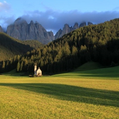 The small San Giovanni chapel in the Val di Funes - just before sunset
