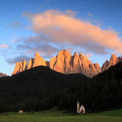The small San Giovanni chapel in the Val di Funes - sunset