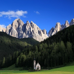 The small San Giovanni chapel in the Val di Funes - late afternoon, after the snow storm