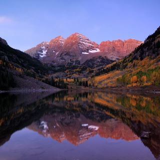 Dawn on Maroon Bells, near Aspen, Colorado
