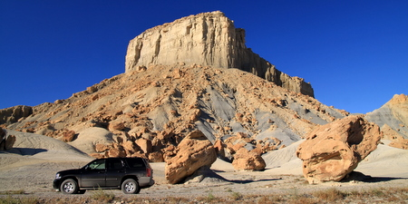 On a dirt road along Nipple Bench, Glen Canyon National Recreation Area, Utah