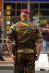 Militaire prêt pour le grand show