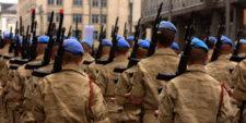 Militaires prêts pour le grand show