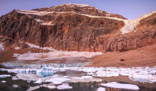 Aube au pied du Mont Edit Cavell et du glacier Angel