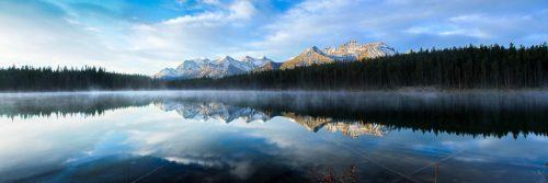 Lever de soleil brumeux sur le lac Herbert