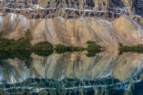 Reflets sur Bow Lake