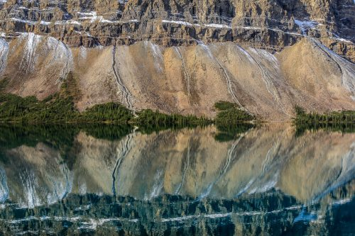 Reflets sur Bow Lake