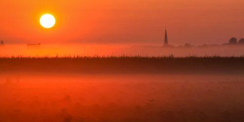 Foggy sunrise in Perk