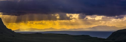 Horizon doré sur l'île de Skye