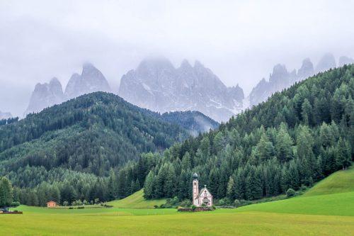 La chapelle San Giovanni et le Odle