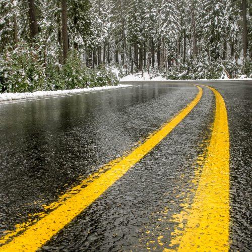 La route du Mont Hood sous la neige de fin septembre