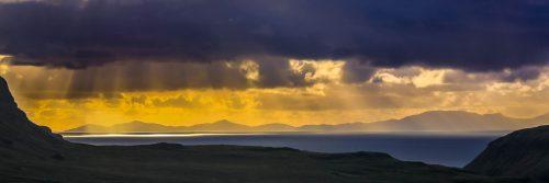 Golden horizon (isle of Skye)